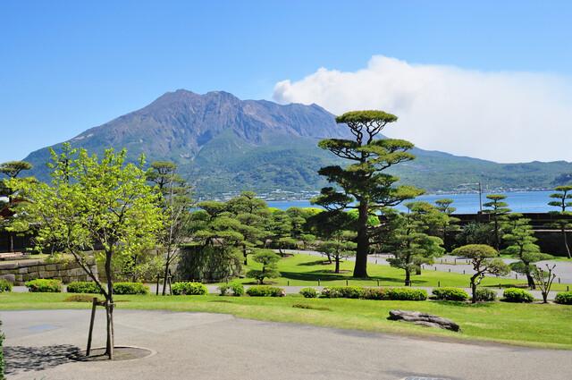 Isoteien Garden & Sakurajima the active volcano